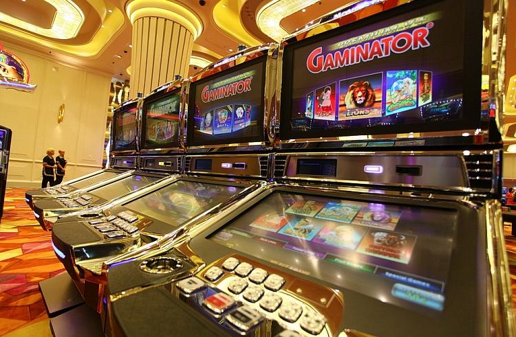 Игровые-автоматы-Casino-Gaminator-в-зале