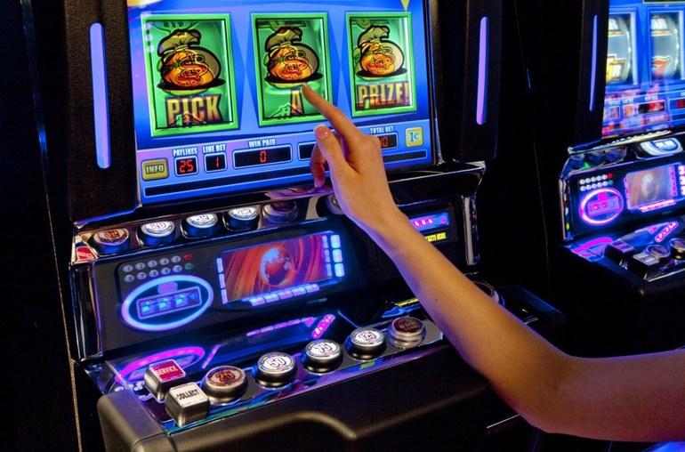 Работа на игровые автоматы игровые автоматы 777 адмирал бесплатно и без регистрации