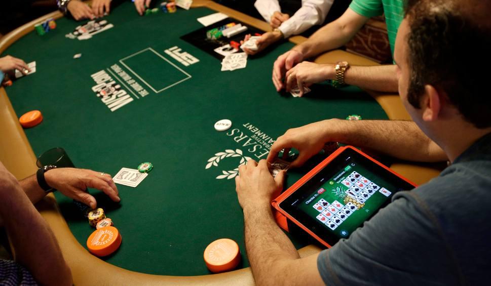 Игрок в покер онлайн играть онлайн веб рулетка мировая