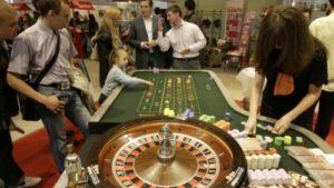В-казино-Лас-Вегаса-несовершеннолетних-допустили-к-игре-и-алкоголю