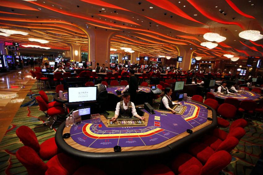 Sands-Macao-казино-покерные-столы